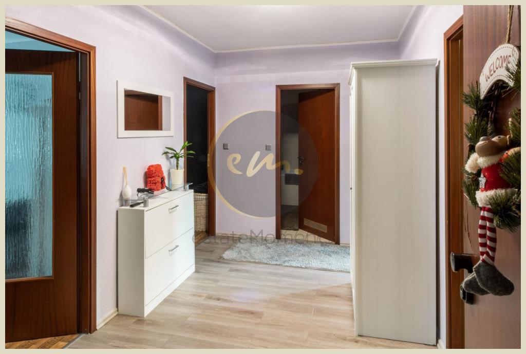 Flur (Wohnung 2. OG)