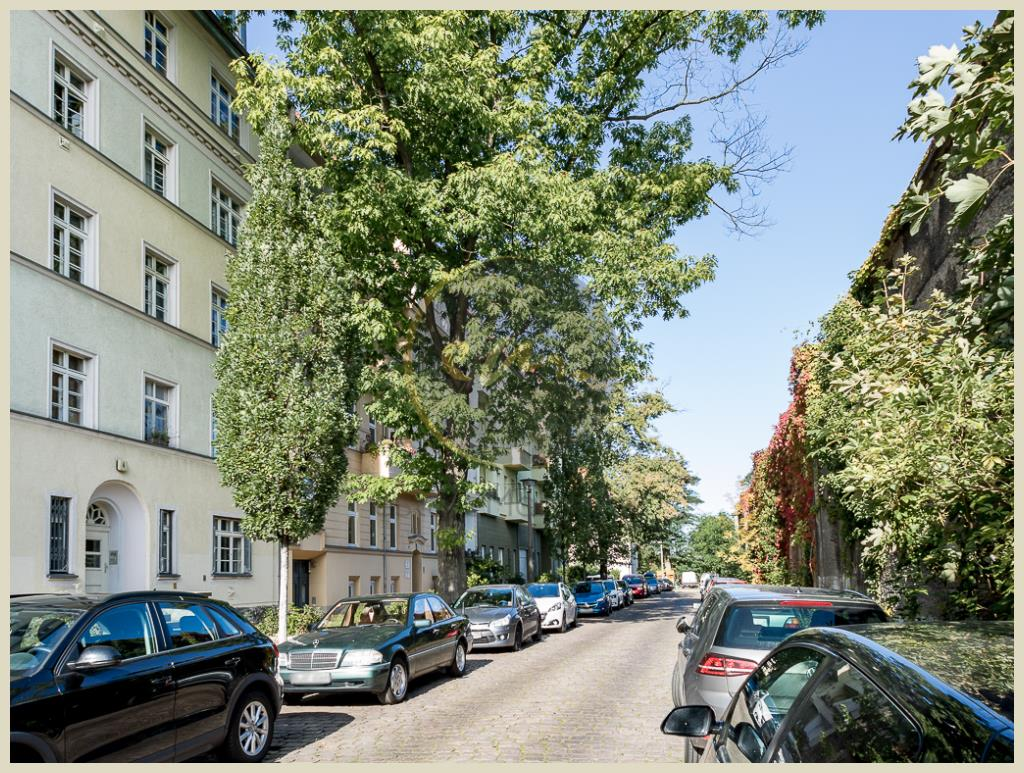 Berlin - Dachgeschosswohnung in Baumschulenweg: Ausbau im Jahr 2011, Balkon mit Nordwestausrichtung