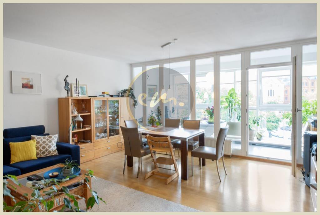 Berlin - Helle und moderne 3-Zimmerwohnung mit Blick auf den Volkspark Friedrichshain, PKW-Stellplatz möglich