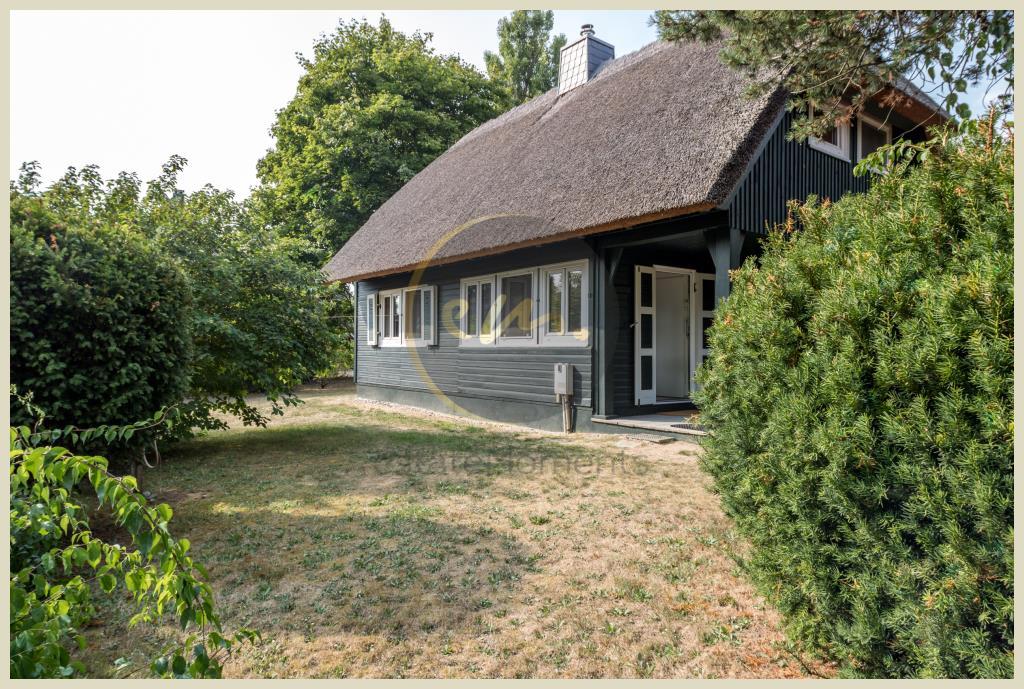 Ahrenshoop - Bieterverfahren: Grundstück mit Ferienhaus an der Ostsee (Hohes Ufer), direkte Meernähe