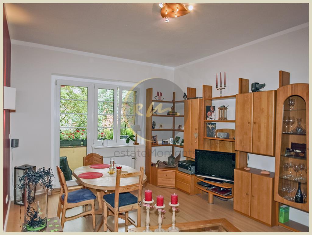 Berlin - Altbau, hell, ruhige Lage, Balkon, attraktive Raumaufteilung, Kfz-Außenstellplatz...