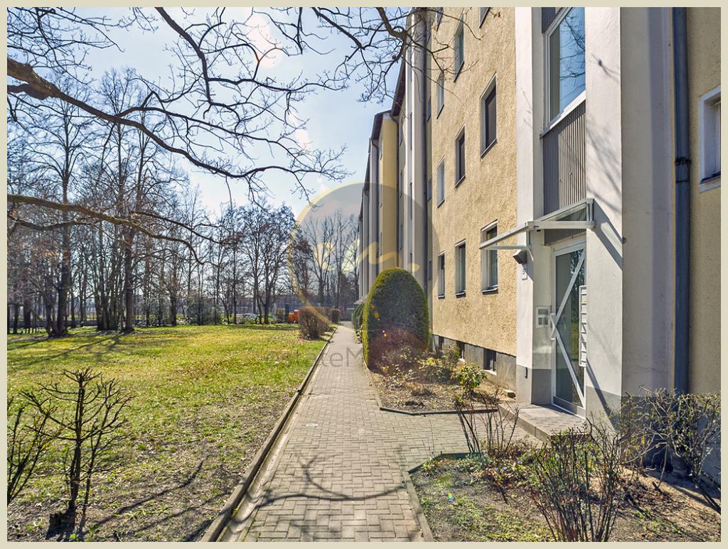 Berlin - Berlin-Lankwitz: Hochparterre, hell, seniorengerecht, in Parknähe, Balkon mit Westausrichtung