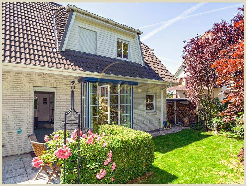 Stahnsdorf - Wunderschöner Garten, gute Bauqualität, Kombination von Wohnen und Arbeiten möglich...