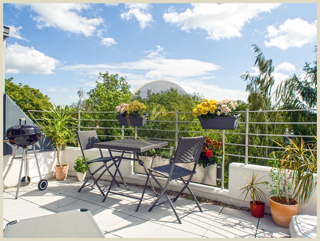 Berlin - Wunderschöne Dachgeschosswohnung, hochwertige Bauweise, helle Räume, großzügige Terrasse...