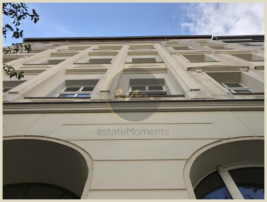 Berlin - Bezugsfrei - Helle und moderne 2,5-Zimmer-Altbauwohnung mit Aufzug in Berlin-Mitte