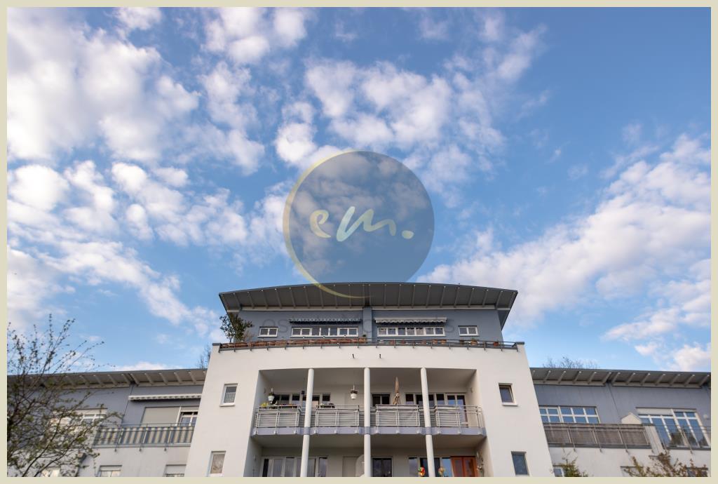 Berlin - Wittenau: Moderne 3-Zimmer-Wohnung, großzügiger Südbalkon, EBK und Kfz-Stellplatz