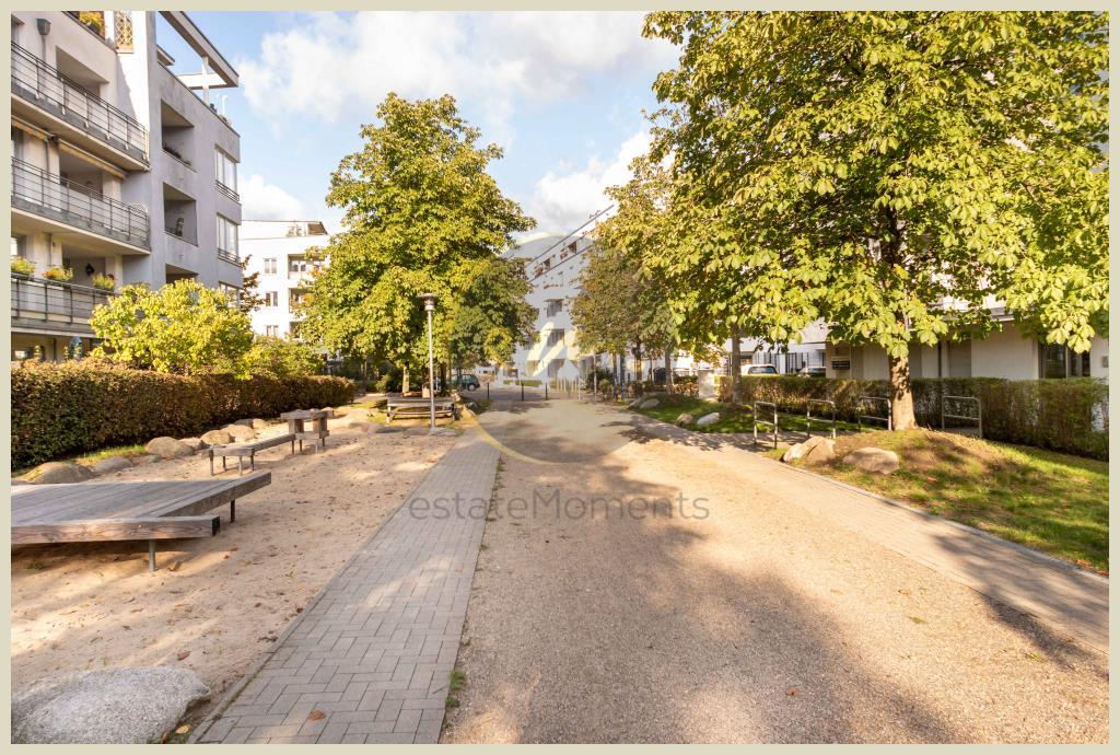 Berlin - Gut geschnittene Familienwohnung mit Balkon und Blick ins Grüne
