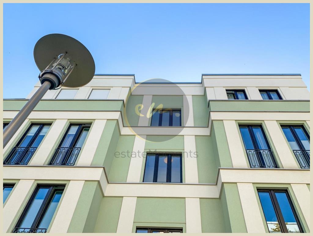 Berlin - Stilvoll Wohnen (Berlin-Zehlendorf): Hell und modern, 4-Zimmer-Maisonettewohnung, Balkon, Terrasse